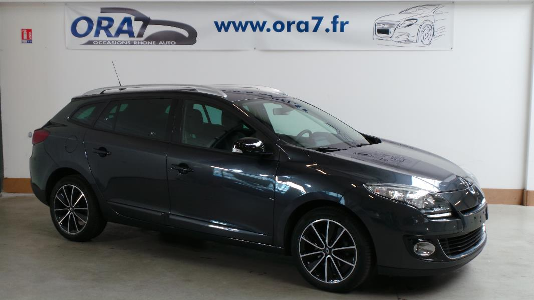 renault megane 3estate 1 6 dci130 fap ener bose occasion lyon neuville sur sa ne rh ne ora7. Black Bedroom Furniture Sets. Home Design Ideas