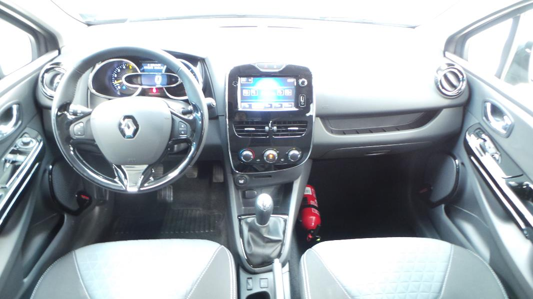 Renault clio 4 dci 90 energy limited eco 90g 5p occasion for Clio 4 interieur rouge