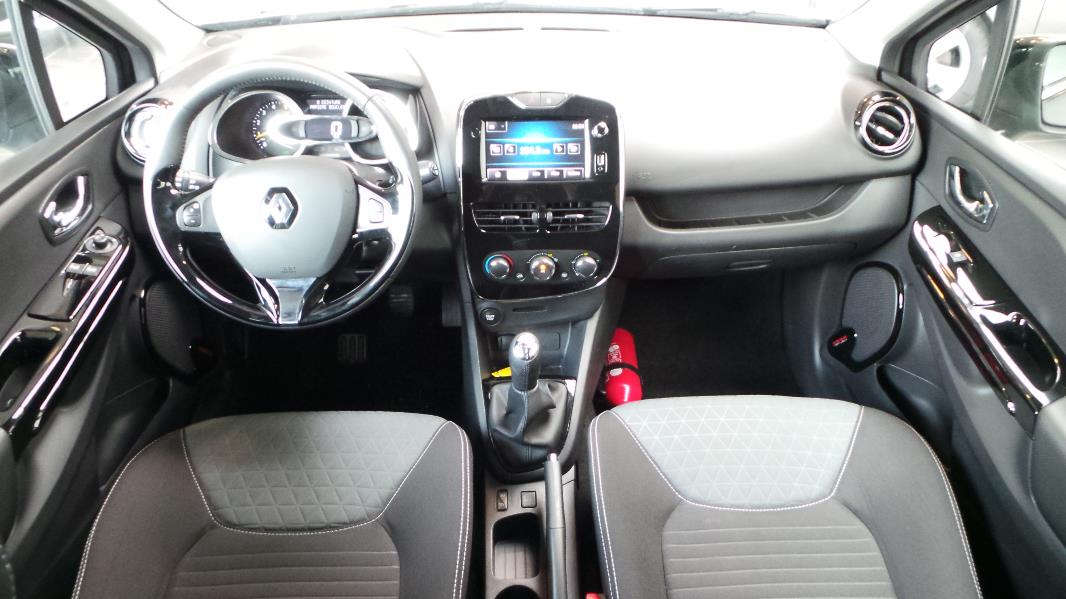 Renault clio 4 dci 90 energy limited eco 90g 5p occasion for Renault clio 4 interieur