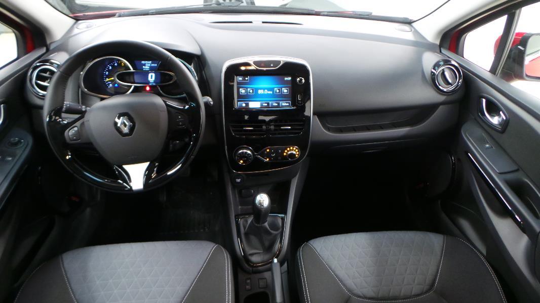 Renault clio 4 1 5 dci90 energy dynamique eco 5p occasion for Clio 4 interieur rouge
