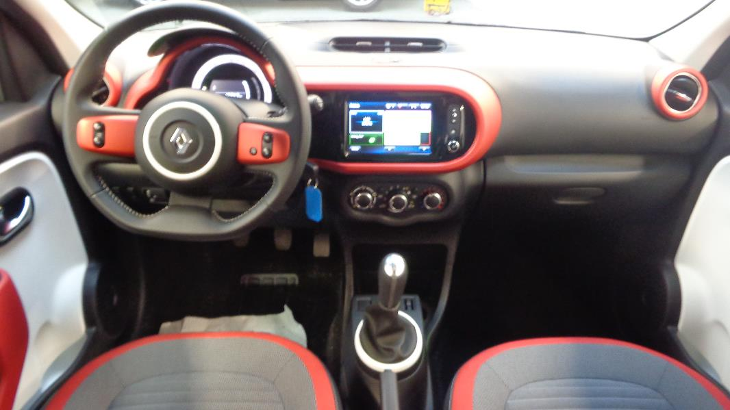 Renault twingo 3 1 0 sce 70 intens eco occasion lyon for Twingo 3 interieur
