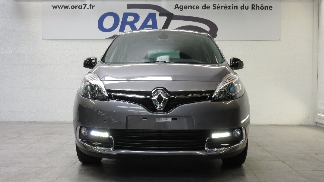 renault scenic 3 tce 130 energy bose occasion lyon s r zin rh ne ora7. Black Bedroom Furniture Sets. Home Design Ideas