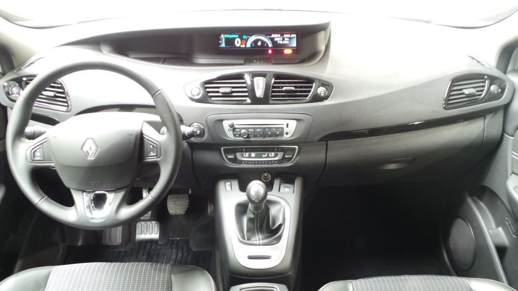 occasions renault lyon 18011 renault grand scenic 3 interieur