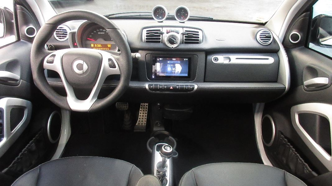 Smart fortwo ii brabus xclusive 102 cv softouch occasion for Smart interieur