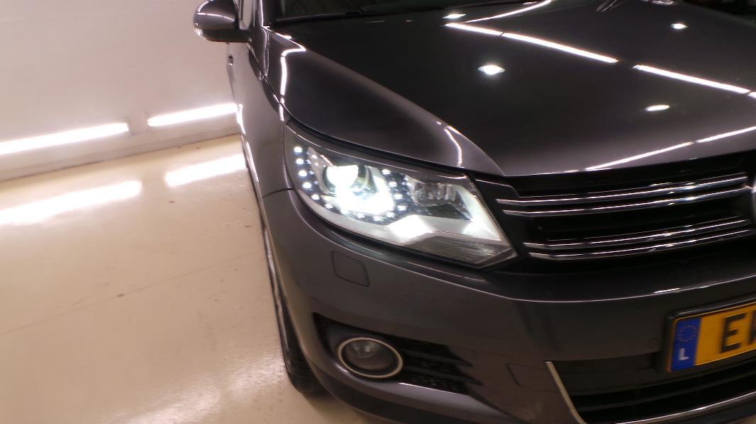 Volkswagen tiguan 2 0 tdi 140 fap carat bluemotion 4motion for Garage volkswagen occasion lyon