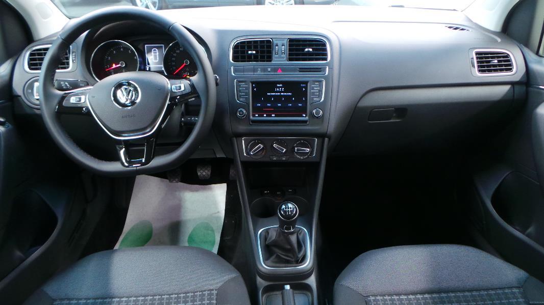 Volkswagen polo 1 2 tsi 90ch confortline 5p occasion for Polo 7 interieur