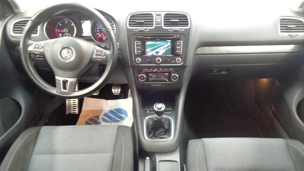 Volkswagen golf 6 1 6 tdi105 fap style 5p occasion lyon for Golf 6 interieur