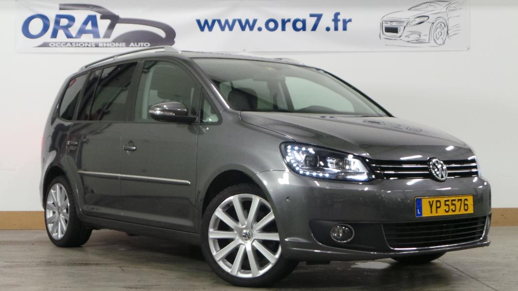 volkswagen touran 2 0 tdi 177ch fap carat dsg6 7 pl occasion lyon neuville sur sa ne rh ne. Black Bedroom Furniture Sets. Home Design Ideas