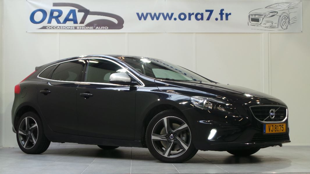 volvo v40 d3 150ch r design geartronic 6 occasion lyon neuville sur sa ne rh ne ora7. Black Bedroom Furniture Sets. Home Design Ideas